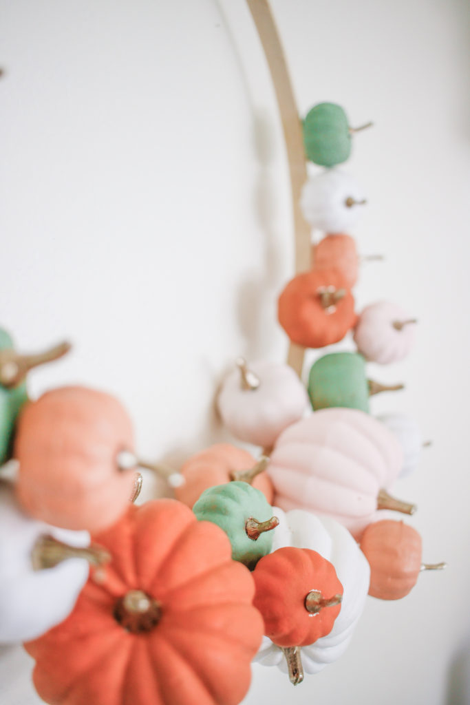 Easy Diy Modern Pumpkin Hoop Wreath For Fall Home Decor